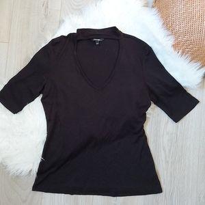 Black chocker vneck tshirt